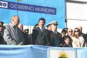 El intendente Posse hablando durante la ceremonia