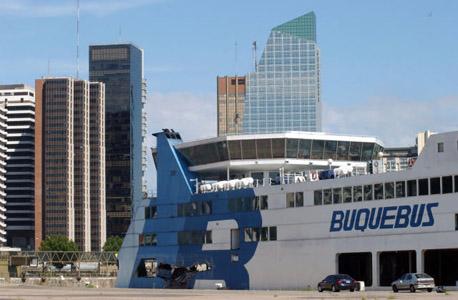 Procesaron a un capitán de Buquebus por un choque en el puerto de Buenos Aires