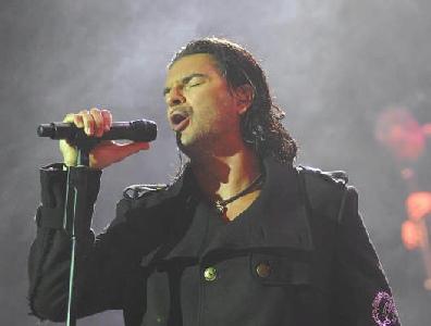 Ricardo Arjona lleva su música a la pantalla grande