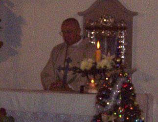 Emotiva misa en memoria de Ricardo Ubieto