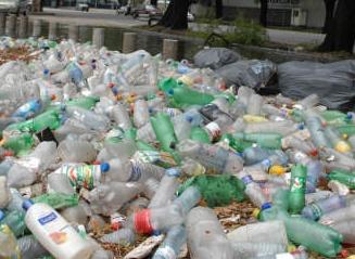 Proyecto para que fabricantes de envases de plástico se hagan cargo de su disposición final