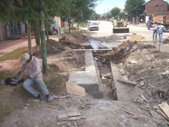 Ultiman los trabajos de ensanche y repavimentación de Sarratea