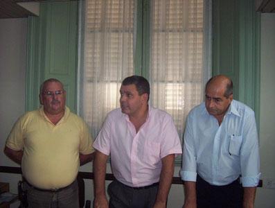 El director Provincial de Fortalecimiento de Instituciones Sociales junto a Gustavo Aguilera y Hugo García, funcionarios del Municipio de San Fernando.
