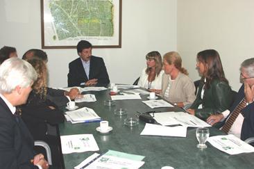 El intendente de San Isidro, doctor Gustavo Posse, firmó ayer el convenio por el cual se extiende por un año más el Programa San Isidro Recicla