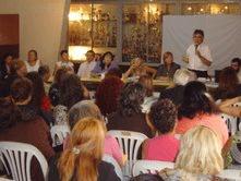 El Diputado de la Provincia de Buenos Aires, Carlos Muñoz, referente del Frente para la Victoria de Tigre, organizó una jornada de capacitación sobre violencia de género y violencia familiar en la localidad de Talar.