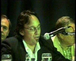 El titular de la regional Norte de la CGT, José Luis Casares hablando en el  lanzamiento