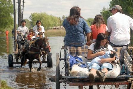 Lento retorno de los evacuados luego de tres días sin lluvias