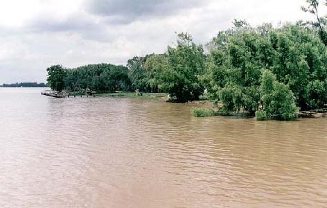 Monitorean la crecida del Río Paraná en la provincia de Buenos Aires