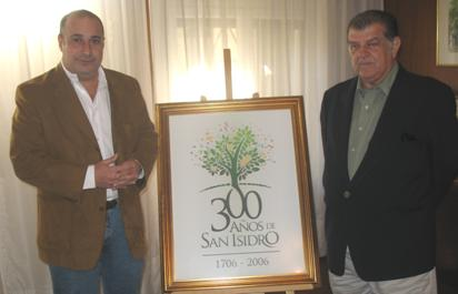 El concejal Castellano junto al visitante peruano, Luis Masías Bustamante
