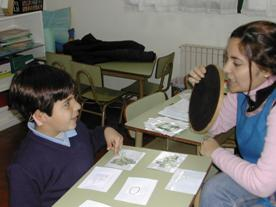 En San Isidro enseñan a hablar a niños con discapacidades auditivas