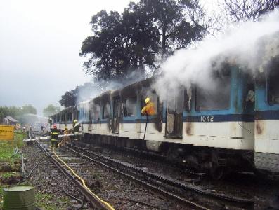 Un tren se incendió entre las estaciones de San Fernando y Virreyes
