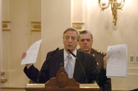 Kirchner critica a la oposición