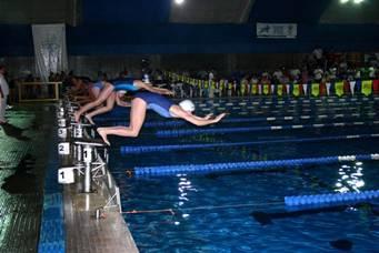 Nadadores de todo el país participaron del Torneo Nacional San Isidro Labrador