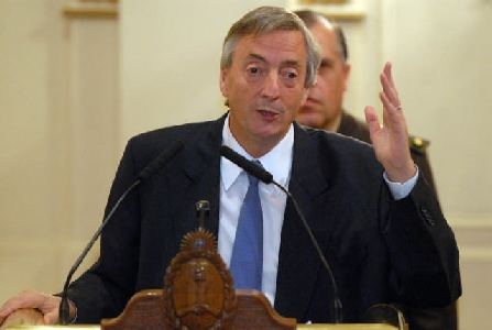 Kirchner apuesta a memoria de la gente para el 28 de octubre