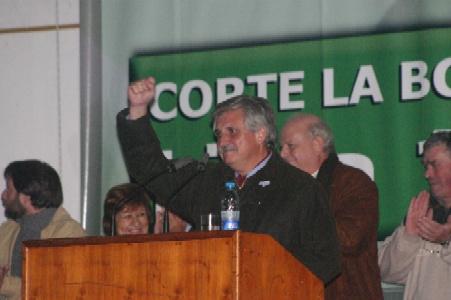 Casaretto recibió el apoyo de 1500 vecinos de Benavídez