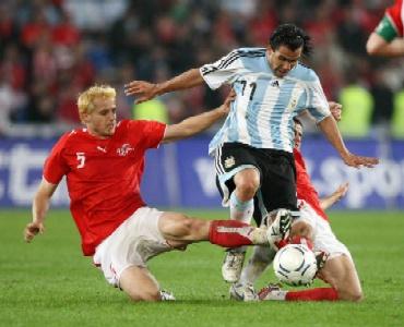 Argentina ofrece un juego discontinuo en su empate con Suiza