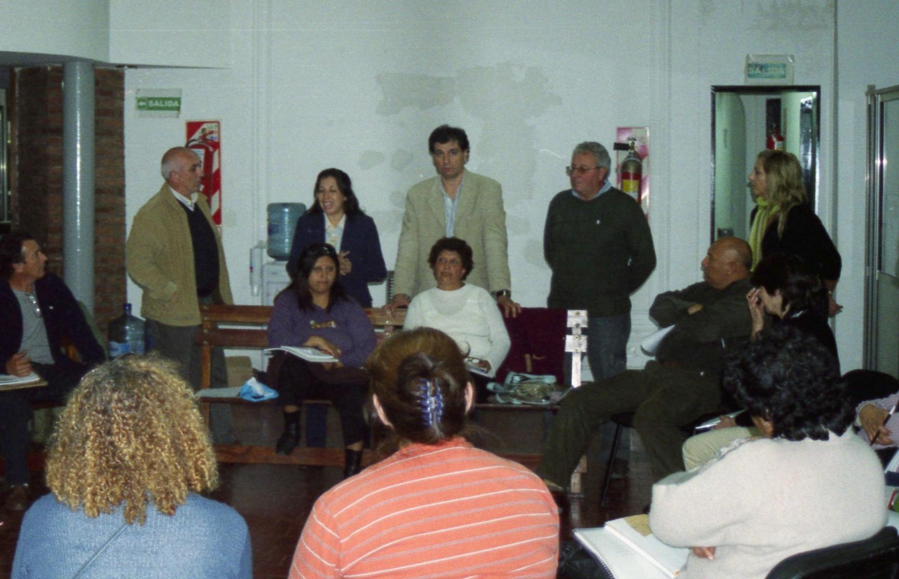 Daniel Gambino, Alejandra Nardi, Sonia Gatarri, Antonio Grandoni y Horacio Fabeiro, se reunieron con Lideres Barriales y Agentes Sociales