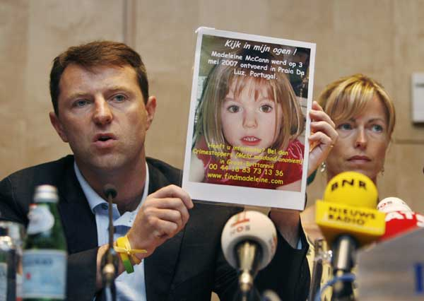 Los padres de Madeleine en una rueda de prensa en Amsterdam. (Foto: REUTERS)