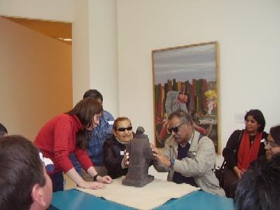 Personas con discapacidades visuales de Tigre visitaron  el Malba