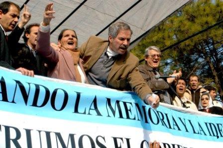 Solá presidio los homenajes por el 51 aniversario de los fusilamientos en José León Suárez