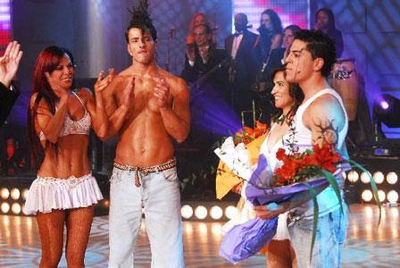 Iliana Calabró y Maximiliano D´ioro aplauden a Nina Pelozo y Facundo Mazzei, ya eliminados.