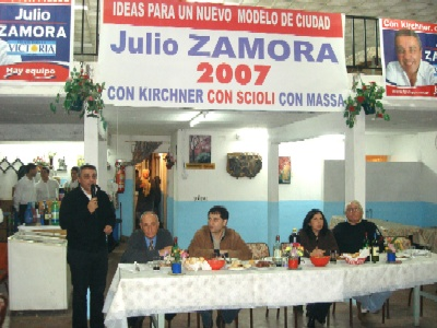 Frente para la Victoria con comerciates de Don Torcuato