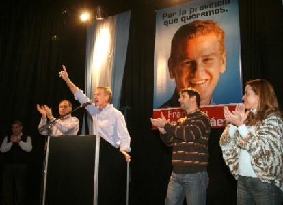 De Narváez lanzó su candidatura a la gobernación bonaerense con críticas a Blumberg, Solá y Cristina