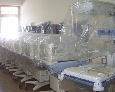 Incubadoras para la nueva maternidad de Tigre