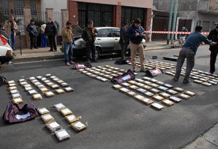 Por casualidad descubren 173 kilos de cocaína tras un choque
