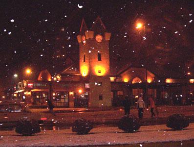 La sorpresiva nieve cayendo sobre la estación de Tren de Tigre.