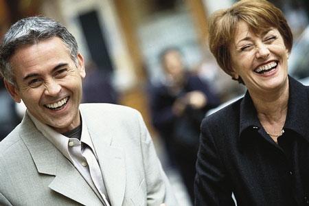 El humor se pierde con los años, afirma una investigación