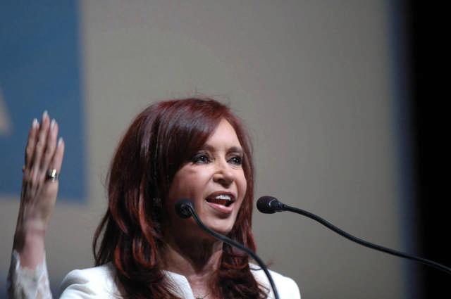 Cristina lanzó candidatura y plantea tres ejes de construcción