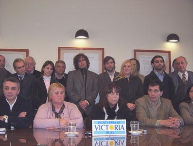 Las concejales de Acci�n Comunal !n!Marta Vega y Mar�a Rita Vivas!/n! anunciaron hoy la decisi�n de sumarse al Frente para la Victoria de Tigre