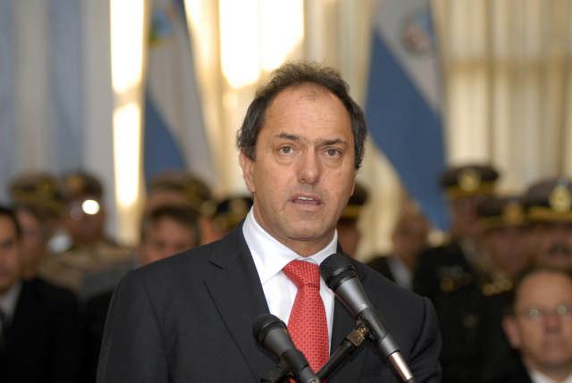 Scioli dice que su propuesta busca profundizar el cambio