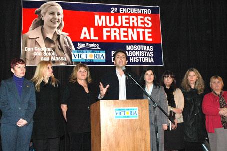 Frente para la Victoria de Tigre festejó un nuevo aniversario de la muerte de Evita con un encuentro de mujeres que colmó el céntrico club Tigre Juniors