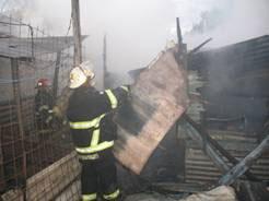 La rapidez de los bomberos de San Isidro evitó tragedia mayor en La Cava
