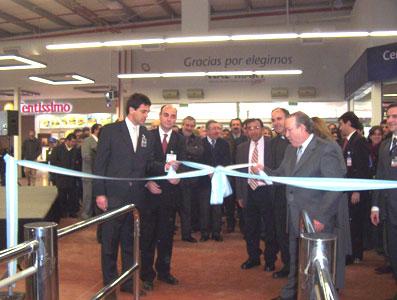 Wall-Mart abre sus puertas en San Fernando