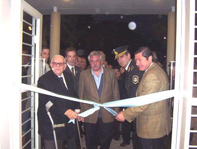 Hiram Gualdoni, Ernesto Casaretto, El Inspector Omar Nasrala, y el Fiscal General de San Isidro, Julio Novo cortan las cintas.
