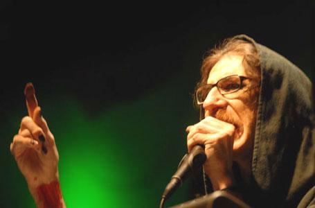 La tragedia y resurrección de Charly Garcia estremeció el 2008 musical
