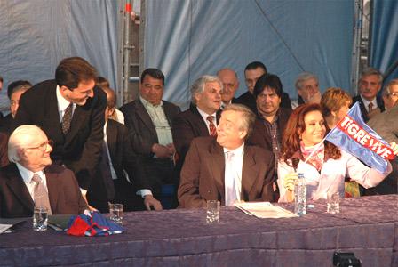 Kirchner y Massa firmaron un convenio con jubilados de Tigre y San Fernando