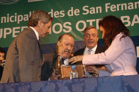 El gobernador Solá aseguró las obras de la  ruta 202 y del servicio pediátrico en el hospital de San Fernando