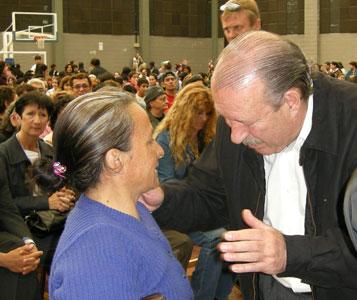 El intendente Osvaldo Amieiro entregó más de 300 jubilaciones y 350 lentes