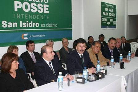 Gustavo Posse presentó a los integrantes de su lista