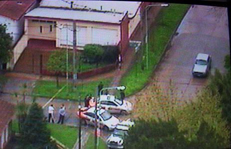 Delincuentes mantienen rehenes en una casa de Don Torcuato (imagen TN)