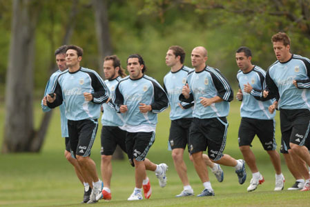 El seleccionado argentino de fútbol comenzará su participación en la eliminatoria de clasificación de cara al Mundial Sudáfrica 2010
