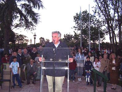Casaretto en la inauguración de la plaza de Benavidez