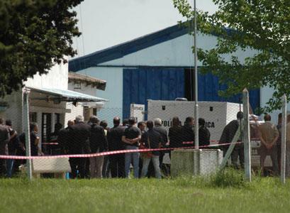Asesinan a tres policías que custodiaban planta de Ministerio de Seguridad