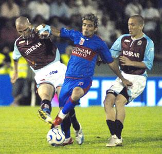 Tigre, montado en un sueño, alcanza a Independiente.
