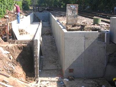 San Isidro: Hormigonan el túnel de Pueyrredon.