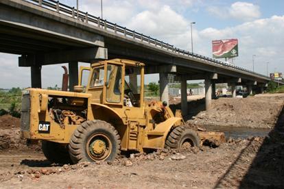 Limpian conductos, arroyos y cuencos en el bajo Boulogne